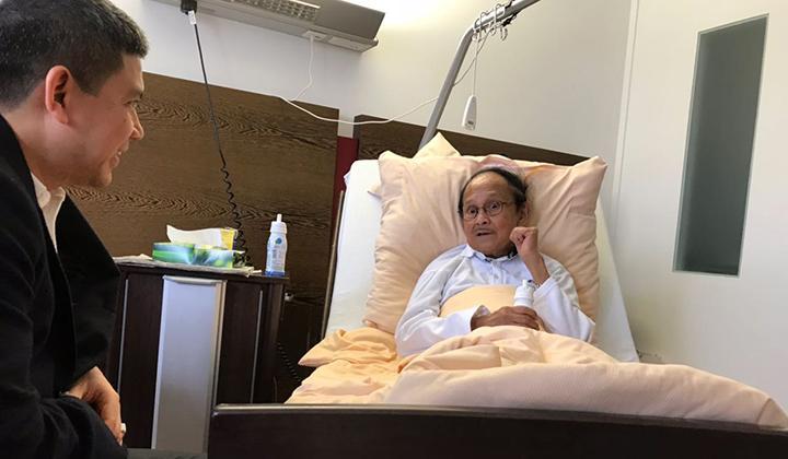 BJ Habibie Dirawat Intensif di RSPAD Gatot Soebroto, Ditangani 44 Dokter Kepresidenan
